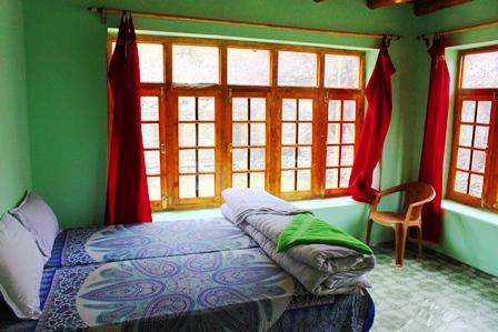 トゥルトゥク村のゲストハウス客室