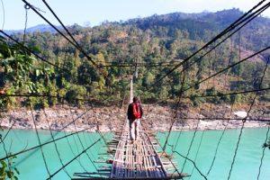シアン川にかかる吊り橋