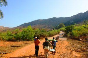 前正覚山へ続く登山道